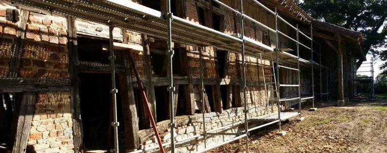 Reprise des colombages et des murs en briques